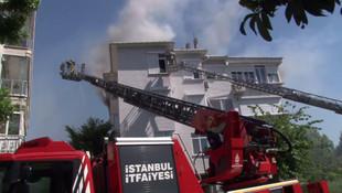 Kadıköy'de 4 katlı binada yangın paniği