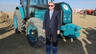 Erdoğan'ın traktörle verdiği poz olay oldu