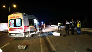 Ankara'da korkunç kaza ! Lastik değiştirirken TIR çarptı: 2 ölü, 1 yaralı