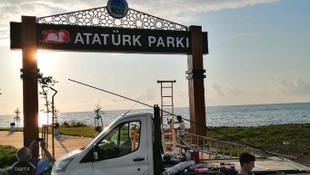 ''Kendimi yakarım, Atatürk tabelasını indirmem''
