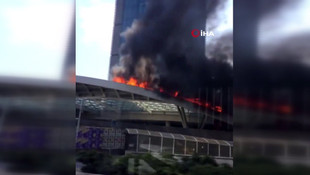 İstanbul Zincirlikuyu'da plaza yangını