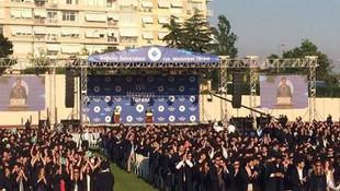 Yüzlerce öğrenciden Boğaziçi'nde rektöre şok protesto