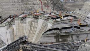 Yusufeli Barajı'nda 112 metre yüksekliğe ulaşıldı