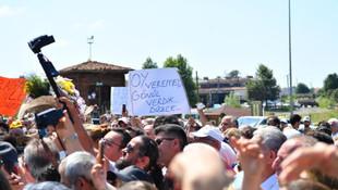Ekrem İmamoğlu'ndan MHP'li Belediye Başkanı'na tebrik