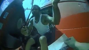 Polisin boynuna tornavida sapladı !