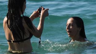''Çukur''un Ayşe'si İrem Altuğ bikinili yakalandı