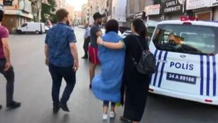 Beyoğlu'nda dehşet anları ! Turist kadın metrelerce sürüklendi