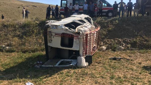 Gümüşhane'de minibüs devrildi: Ölü ve çok sayıda yaralı var
