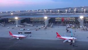 Ulaştırma Bakanı'ndan ''yeni havalimanı'' itirafı