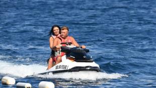 Nuri Alço, 33 yaş küçük sevgilisiyle tatilde