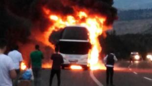 Bir otobüs yangını daha ! 50 kişi ölümden döndü
