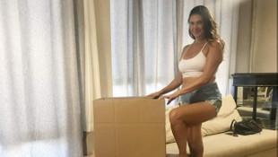 Nilay Dorsa'dan ''mini şortlu'' ev taşıdım pozu