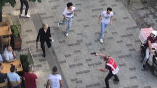 Taksim'de hareketli anlar ! Polis müdahale etti
