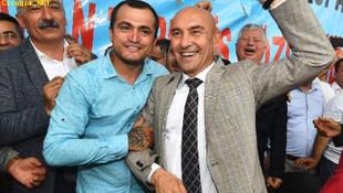 İzmir'de toplu sözleşme sevinci ! Tunç Soyer böyle kutladı
