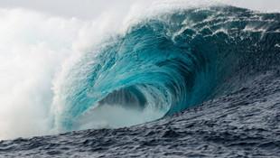 Endonezya'da 7 büyüklüğünde deprem, tsunami alarmı verildİ