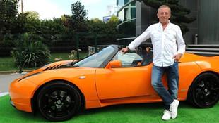 Ali Ağaoğlu lüks otomobillerini satışa çıkardı