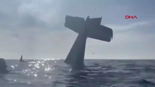 Uçağın denize çakıldığı an kamerada !