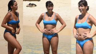Zehra Çilingiroğlu mavi bikinisiyle şov yaptı