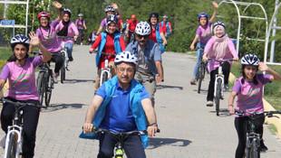Fuat Oktay Ahi Evran Gençlik Kampı'nda