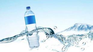 Elimizden düşmeyen plastik su şişeleri için kritik uyarı