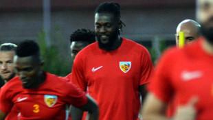 Adebayor: Galatasaray maçı ligin en zorlu karşılaşmalarından biri olacak