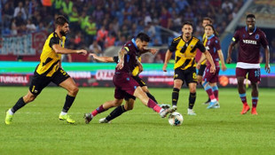 Trabzon kaybetse de gruplara kaldı!