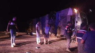 Antalya'da tur otobüsü devrildi: Ölü ve yaralılar var