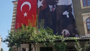 Atatürk posteriyle ilgili bomba iddia !