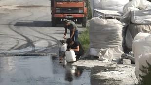 Mazot yüklü tanker kaza yaptı, vatandaş mazotun peşine düştü
