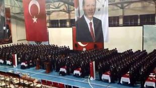 Mezun olan polisler böyle bağırdı: Cüneyt Arkın çok yaşa