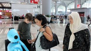 İstanbul Havalimanı'nın robotuyla ilginç diyalog