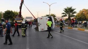 Midibüs kaza yaptı: 3'ü ağır 14 yaralı