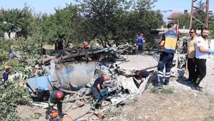 Freni patlayan kamyon eve daldı: Yaralılar var