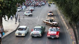 Klasik otomobiller büyük ilgi gördü