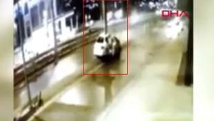 İstanbul'da korkunç kaza kamerada! Uçup tabelaya çarptı