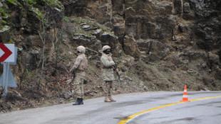 Askerlerin yakınına yıldırım düştü: 7 yaralı