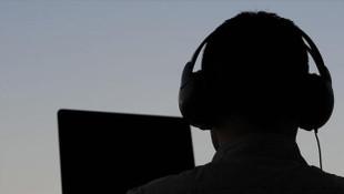 TIR'ları durdurmak için 7 MİT görevlisini dinlemişler