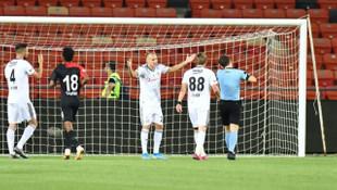 Gazişehir Gaziantep - Beşiktaş maçında Domagoj Vida kırmızı kart gördü