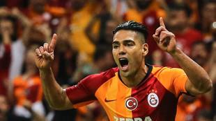 Galatasaray Fenerbahçe'yi solladı