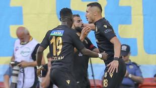 Adis Jahovic attığı gollerle BtcTurk Yeni Malatyaspor'u sırtlıyor