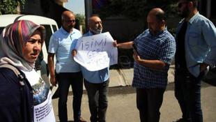 AK Parti önünde protestoya gözaltı