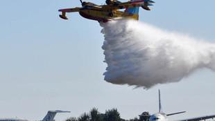 Bakan'ın ''uçamaz'' dediği uçak TEKNOFEST'te şov yaptı