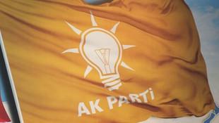 AK Parti'de bir istifa daha ! Davutoğlu ile devam edecekler