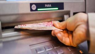 ATM'den para çekerken dikkat !