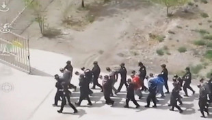 İşte Türklere yönelik zulmün kanıtı! Şoke eden görüntüler yayınlandı