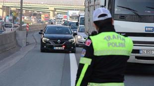 İstanbul'da çakarlı Belediye Başkanı ve konsolos aracına ceza
