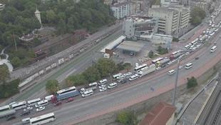 E-5'te büyük kaza! Çevre Yolu'nda trafik durdu