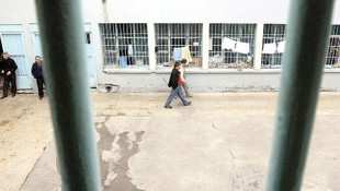 Cezaevinde 8 televizyon kanalı yasaklandı