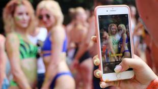 Antalya'da turistlerin çılgın eğlencesi