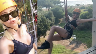 Simge Sağın Maymun Parkı'nda siyah bikinisiyle uçtu